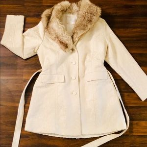 Ivory jacket with Fur collar